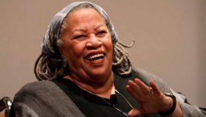 Morre Toni Morrison, prêmio Nobel de Literatura em 1993